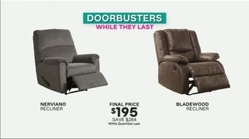 Ashley HomeStore Black Friday TV Spot, 'Early Doorbusters' Song by Midnight Riot - Thumbnail 4