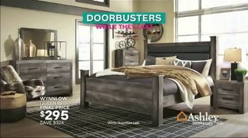 Ashley HomeStore Black Friday TV Spot, 'Early Doorbusters' Song by Midnight Riot - Thumbnail 6