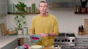 Food Network Kitchen App TV Spot, 'Thankswinning: Feast 9-1-1' - Thumbnail 4