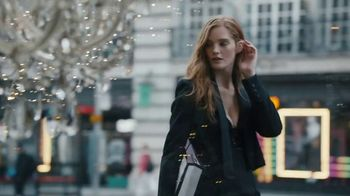 Victoria's Secret TV Spot, 'Holidays: Angels Abroad: Free Tote'