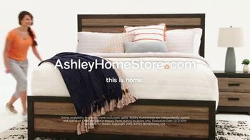 Ashley HomeStore Black Friday Mattress Sale TV Spot, 'Ends Monday: Save $1,200' Song by Midnight Riot - Thumbnail 10