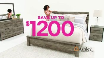 Ashley HomeStore Black Friday Mattress Sale TV Spot, 'Ends Monday: Save $1,200' Song by Midnight Riot - Thumbnail 4