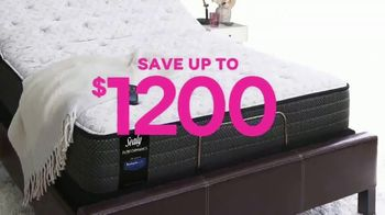Ashley HomeStore Black Friday Mattress Sale TV Spot, 'Ends Monday: Save $1,200' Song by Midnight Riot - Thumbnail 5
