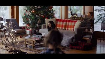 Microsoft TV Spot, 'Holiday Magic: Lucy & the Reindeer' - Thumbnail 2