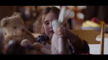 Microsoft TV Spot, 'Holiday Magic: Lucy & the Reindeer' - Thumbnail 4