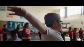 Ally Bank TV Spot, 'Happy Banksgiving' Song by Wilco - Thumbnail 2