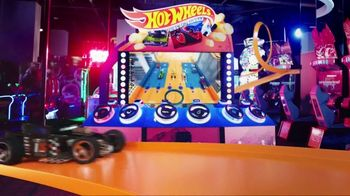 Dave and Buster's TV Spot, 'All-New Hot Wheels King of the Road Game + Play 5 Group Games Free' - Thumbnail 2