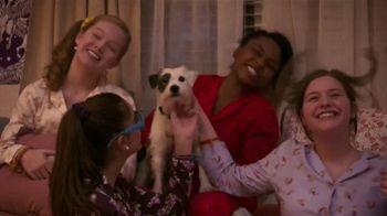 Netflix TV Spot, 'Dolly Parton's Heartstrings' - Thumbnail 6