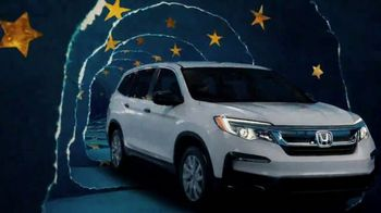 Happy Honda Days TV Spot, 'Unwrap the Joy: To You and Yours' Song by Earth, Wind and Fire [T1] - Thumbnail 6