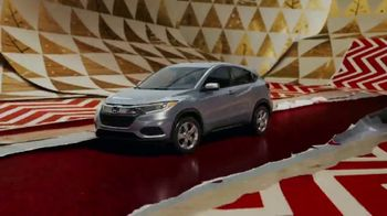 Happy Honda Days TV Spot, 'Unwrap the Joy: To You and Yours' Song by Earth, Wind and Fire [T1] - Thumbnail 7