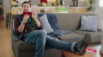 U.S. Cellular TV Spot, 'Holidays: Switch and Get the Latest Phones Free' - Thumbnail 8