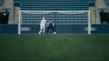 VISA TV Spot, 'NFL: Zach and Julie Ertz: Tap to Pay With Visa' Song by Lesley Gore - Thumbnail 6
