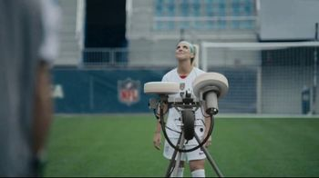 VISA TV Spot, 'NFL: Zach and Julie Ertz: Tap to Pay With Visa' Song by Lesley Gore - Thumbnail 8