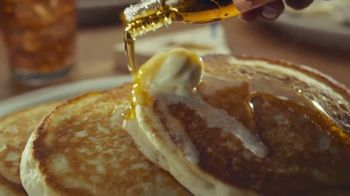Cracker Barrel Old Country Store and Restaurant To-Go TV Spot, 'Home Favorites' - Thumbnail 4