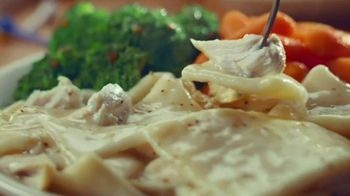 Cracker Barrel Old Country Store and Restaurant To-Go TV Spot, 'Home Favorites' - Thumbnail 5