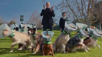 Apartments.com TV Spot, 'Dog Park' Featuring Jeff Goldblum - Thumbnail 4