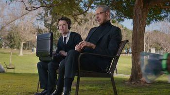 Apartments.com TV Spot, 'Dog Park' Featuring Jeff Goldblum - Thumbnail 8