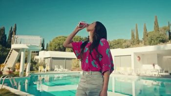 Diet Coke TV Spot, 'Drink What Your Mama Gave Ya: Rideshare' - Thumbnail 10