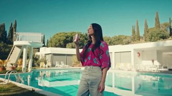 Diet Coke TV Spot, 'Drink What Your Mama Gave Ya: Rideshare' - Thumbnail 9