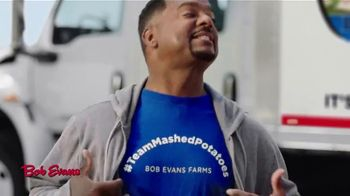 Bob Evans TV Spot, 'Finding Their People' Featuring Alfonso Ribeiro, Jerry O'Connell - Thumbnail 4