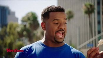 Bob Evans TV Spot, 'Finding Their People' Featuring Alfonso Ribeiro, Jerry O'Connell - Thumbnail 6