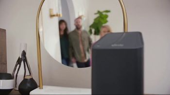 XFINITY Gig Speed Internet TV Spot, 'Open House' Featuring Amy Poehler - Thumbnail 2