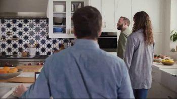 XFINITY Gig Speed Internet TV Spot, 'Open House' Featuring Amy Poehler - Thumbnail 5