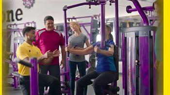 Planet Fitness PF Black Card TV Spot, 'Trae un amigo cada vez' [Spanish] - Thumbnail 4