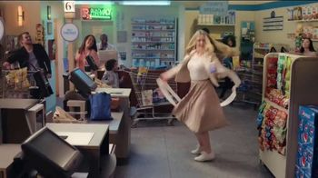 Pepsi Vanilla TV Spot, 'Dance Like Everyone is Watching' Song by The Weeknd - Thumbnail 9