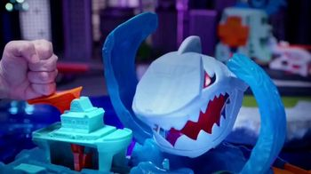 Hot Wheels City Color Shifter Shark Jump TV Spot, 'Robo-Shark Frenzy' - Thumbnail 6