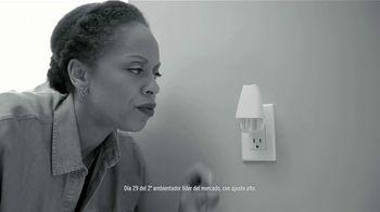 Febreze PLUG TV Spot, 'Nuevo comienzo: Ocean' [Spanish] - Thumbnail 4