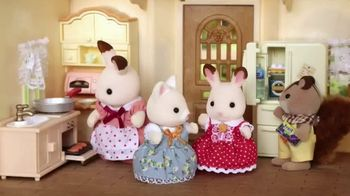 Calico Critters Sweet Raspberry Home & Red Roof Cozy Cottage TV Spot, 'Disney: Memories' - Thumbnail 3