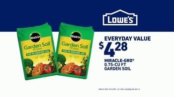 Lowe's TV Spot, 'Yard-Off: Garden Soil' - Thumbnail 9