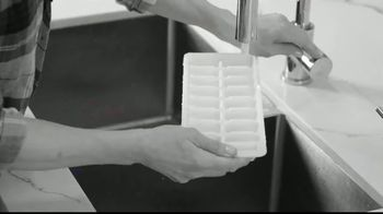 Ice Wizard TV Spot, 'Perfect Ice Cubes' - Thumbnail 1