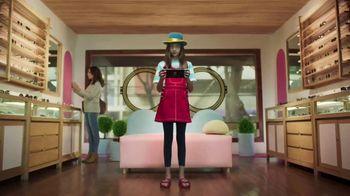 Nintendo Switch TV Spot, 'Animal Crossing: New Horizons: Your Personal Island Paradise' - Thumbnail 4