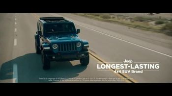 Jeep Friends & Family Pricing for All TV Spot, 'Test of Time' Song by Old Dominion [T2] - Thumbnail 5
