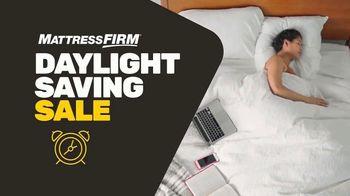 Mattress Firm Daylight Saving Sale TV Spot, 'King for a Queen' - Thumbnail 2