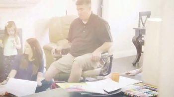 La-Z-Boy TV Spot, 'HGTV: Changing Lives' - Thumbnail 2