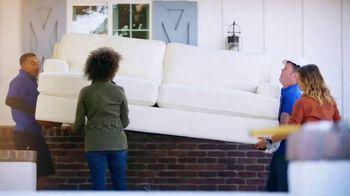 La-Z-Boy TV Spot, 'HGTV: Changing Lives' - Thumbnail 5