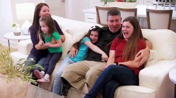 La-Z-Boy TV Spot, 'HGTV: Changing Lives' - Thumbnail 8