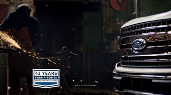 Ford Truck Month TV Spot, 'F-150: Leather and Liner' [T2] - Thumbnail 3