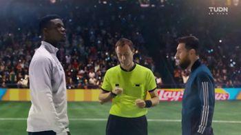 Lay's TV Spot, 'UEFA Champions League: tiempo maravilloso' con Lionel Messi, Paul Pogba [Spanish] - Thumbnail 2