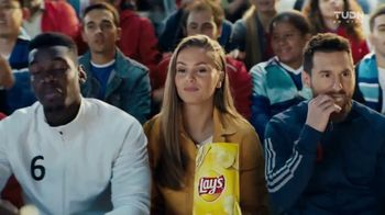 Lay's TV Spot, 'UEFA Champions League: tiempo maravilloso' con Lionel Messi, Paul Pogba [Spanish]