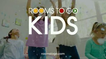 Rooms to Go Kids Anniversary Sale TV Spot, 'Kid's Rooms' Song by Junior Senior - Thumbnail 8