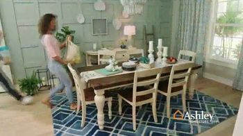 Ashley HomeStore Best of the Best Sale TV Spot, 'Queen Bed and Sectional' - Thumbnail 7