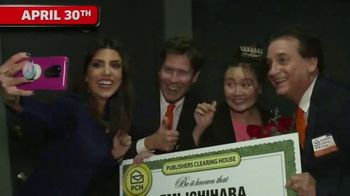 Publishers Clearing House TV Spot, '$7,000 a Week: What Are You Waiting For?' Featuring Steve Harvey - Thumbnail 3