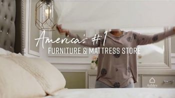 Ashley HomeStore Best of the Best Mattress Sale TV Spot, '$1000, Financing' Song by Midnight Riot - Thumbnail 7