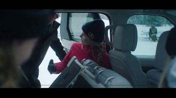 2020 Land Rover Discovery TV Spot, 'Play Harder: Remote Intelligent Seat Fold' Ft. Steven Nyman [T1] - Thumbnail 5