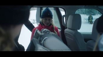 2020 Land Rover Discovery TV Spot, 'Play Harder: Remote Intelligent Seat Fold' Ft. Steven Nyman [T1] - Thumbnail 6