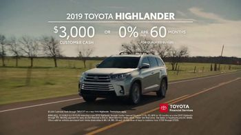 2019 Toyota Highlander TV Spot, 'Best Seats in the House' [T2] - Thumbnail 7